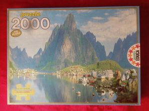 Image of the puzzle 2000, Educa, Lofoten Islands, Reine Port, Sealed Bag, Picture of the box