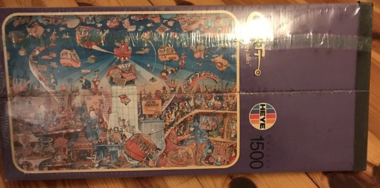 Image of the Puzzle 1500, Heye, Erotic City 3001, Factory Sealed, Picture of the Side