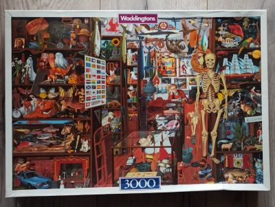 Image of the puzzle 3000, Waddingtons, The Sleepy Shopkeeper, by Mike Wilks, Sealed Bag, Picture of the box