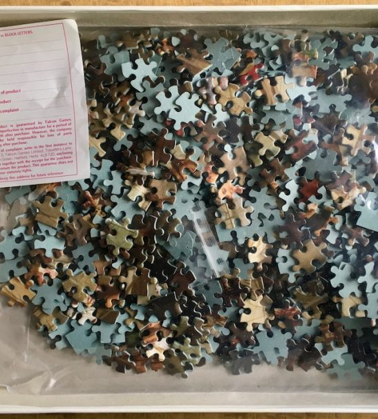Image of the Puzzle 1000, Falcon, The Railway Station, by William Frith, Complete, Picture of the Bag