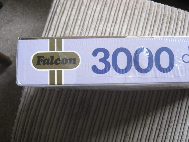 Image of the puzzle 3000, Falcon, The Sermon, by Salvador Sánchez Barbudo, Factory Sealed, Picture of the side