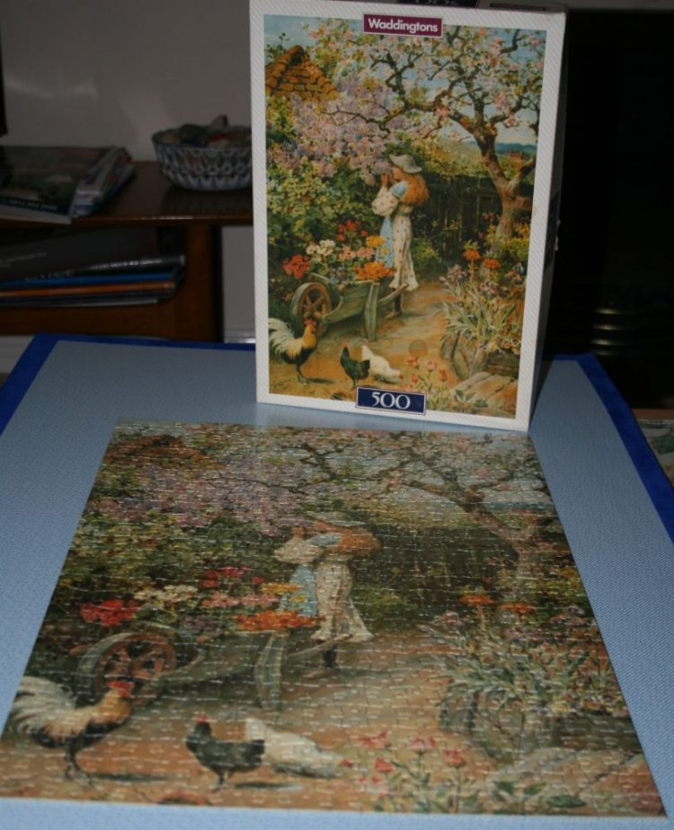 Image of the puzzle 500, Waddingtons De Luxe, Spring Blossom, W. S. Coleman, Complete, Picture of the box and the puzzle