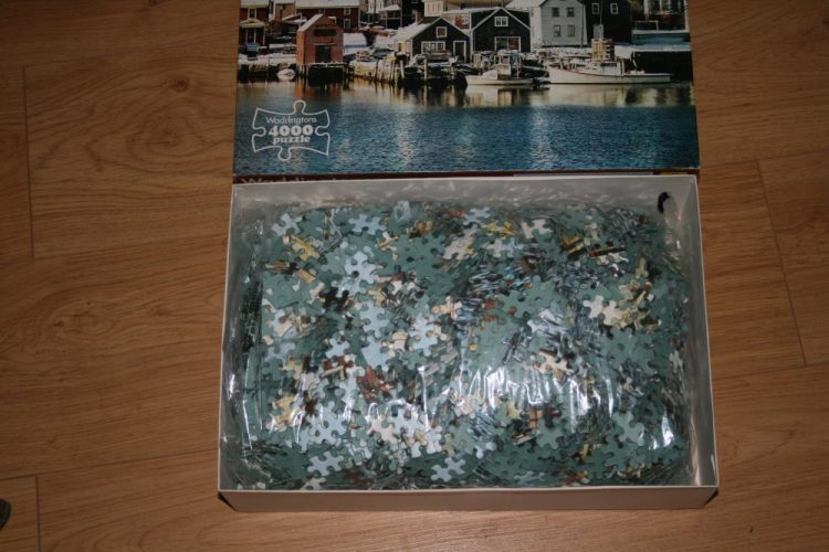 Image of the puzzle 4000 Waddingtons, Portsmouth, New Hampshire, USA, Sealed Bag, Picture of the bag