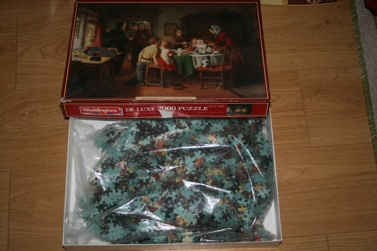 Image of the puzzle 2000, Waddingtons, Babys Birthday, by Frederick Daniel Hardy, Sealed Bag, Picture of the bag