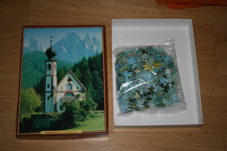 Image of the puzzle 500, Waddingtons, Val di Vilnos, Italy, Sealed Bag, Picture of the contents