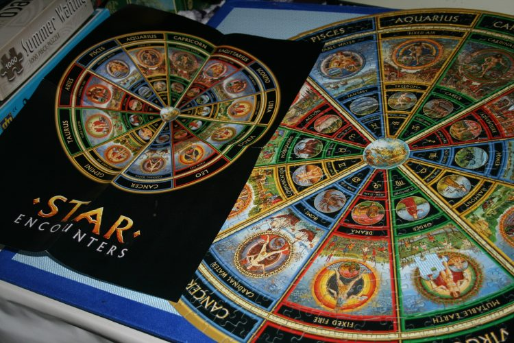 Image of the puzzle 625, Mind Games, Star Encounters, Complete, Picture of the contents