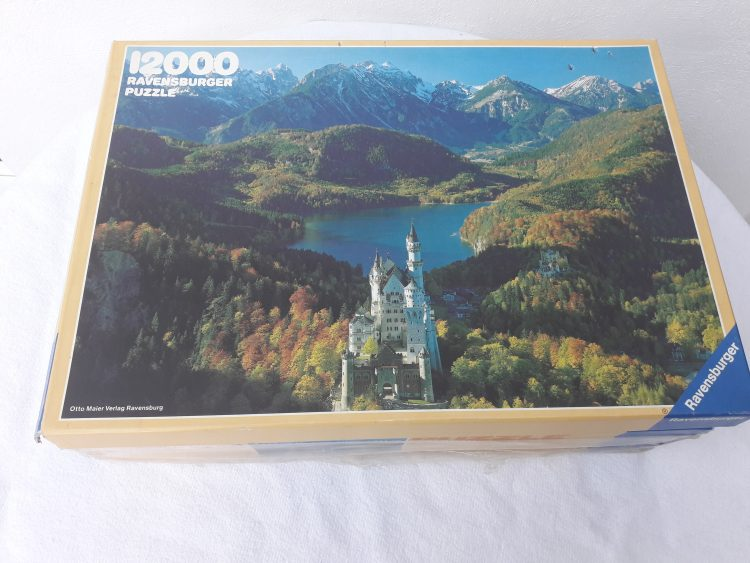 Image of the puzzle 12000, Ravensburger, Neuschwanstein Castle, Sealed Bag, Picture of the box