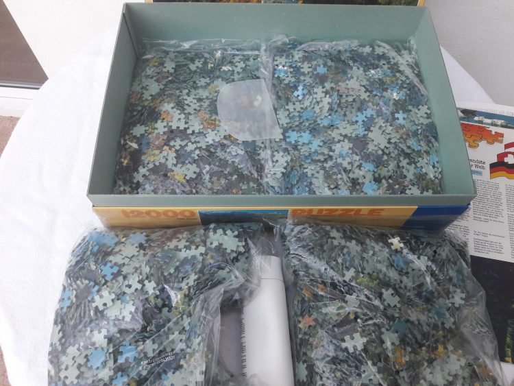 Image of the puzzle 12000, Ravensburger, Neuschwanstein Castle, Sealed Bag, Picture of the contents