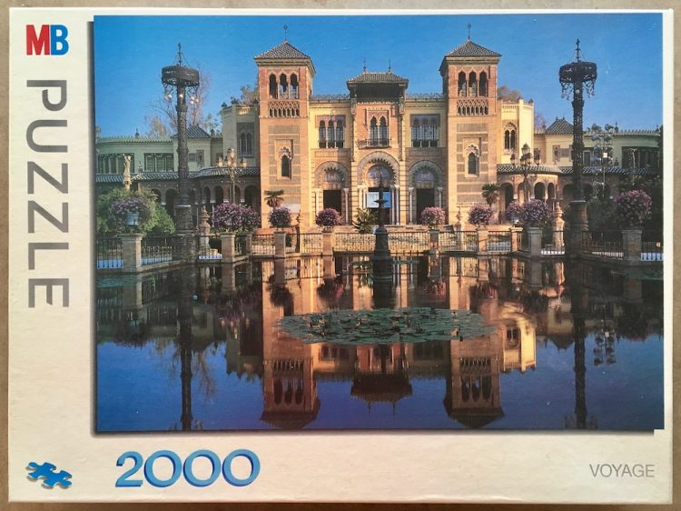 Image of the puzzle 2000, MB, Sevilla House, Complete, Picture of the box