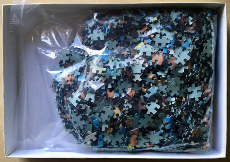 Image of the puzzle 1500, Jumbo, People of the World, Complete, Picture of the bag