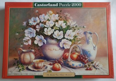 Image of the puzzle 2000, Castorland, The Guilded Vase, Trisha Hardwick. Picture of the box.