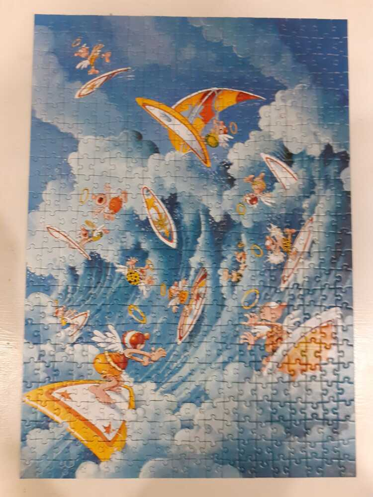 Image of the puzzle 500, Heye, Surfing in heaven, Marino Degano. Picture of the completed puzzle.